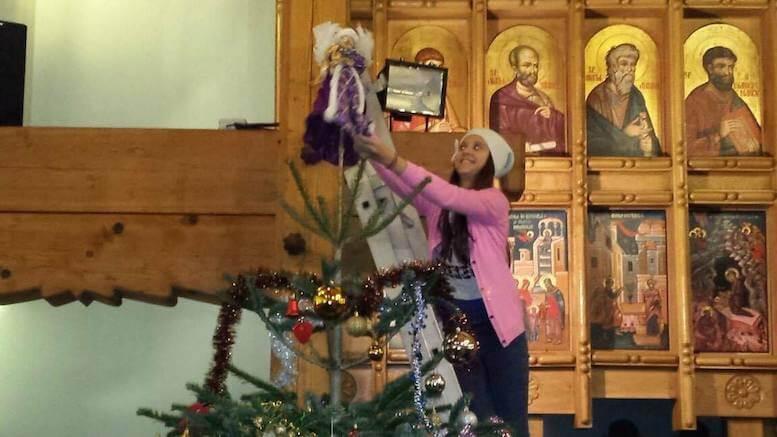 Împodobirea bradului la biserica Sfântul Mina din Constanța