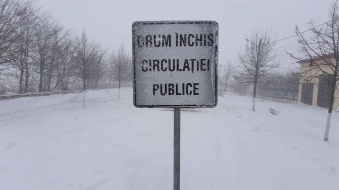 Drum închis din cauza zăpezilor