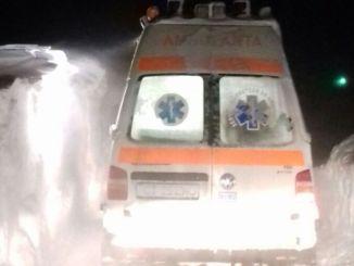 Ambulanță în zăpadă