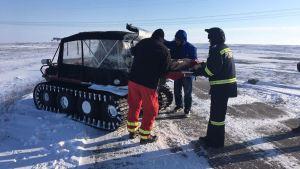 Șenilata CJC la o acțiune medicală de iarnă