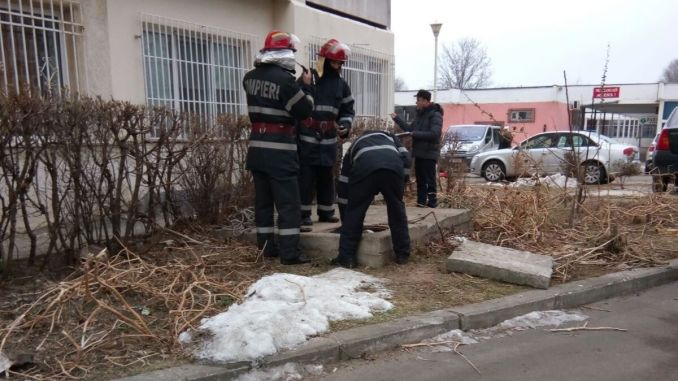 Decedat scos dintr-o canalizare din Constanța. FOTO ISU Dobrogea