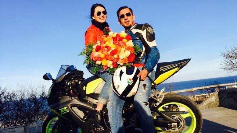 Costi (Pasăre) și cele două iubiri ale sale: Diana și motocicleta. FOTO arhiva personală