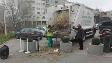 """Echipele Polaris la campania """"Curățăm Constanța Noastră"""". FOTO Facebook"""