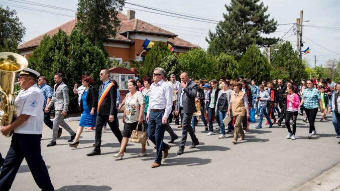 Primarul George Ionașcu în parada de la Mircea Vodă