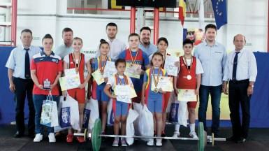 Copii partuicipanti la concursul de haltere organizat de primăria Ovidiu. FOTO Primăria Ovidiu