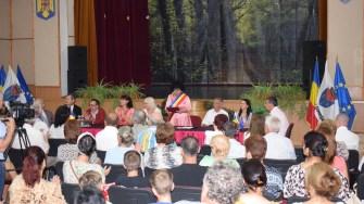 Ceremonie semnare acord înfrățire primarul comunei Cumpăna, Mariana Gaju și Elena Nandris primarul comunei Mahala Raionul Noua Suliță (1)