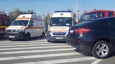 Echipaje ale SAJ, SMURD și Pompieri au ajuns la locul accidentului