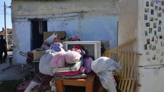 Mai multe familii au fost evacuate în prezența jandarmilor