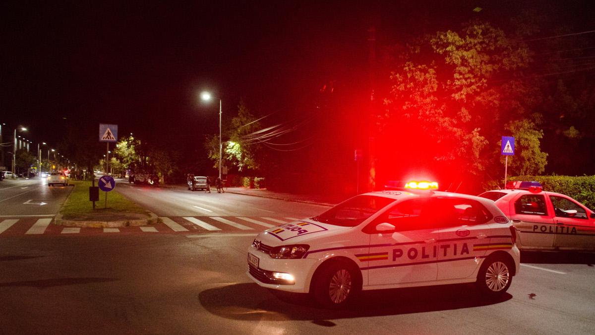 Trafic rutier blocat de masini politie (2)