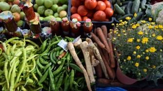 O parte din produsele oferite la vanzare de gospodarii din Cumpana
