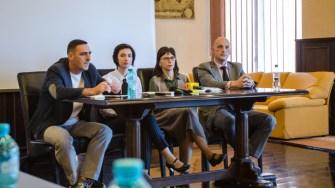 Reprezentantii Pozimed au vorbit despre investitiile facut si despre serviciile oferite. FOTO Catalin Schipor
