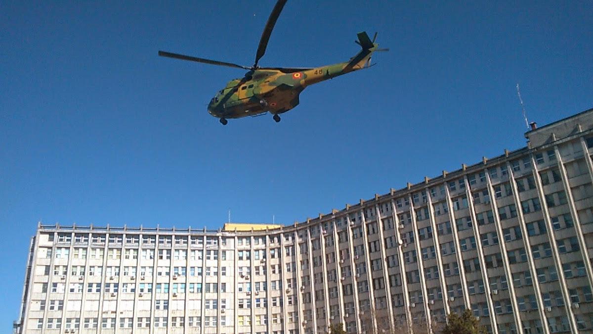 Elicopter militar la Spitalul Judetean Constanta (1)