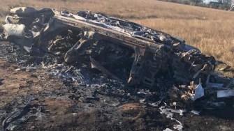 După ce s-a răsturnat mașina, toți ocupanții au fost aruncați pe jos, iar apoi a fost cuprinsă de flăcări