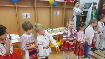 Preșcolarii de la Grădinița Căsuța de Turtă Dulce și cei de la Grădinița Zubeide Hanim au sărbătorit împreună ziua de 1 Decembrie