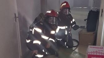 Pompieri din trei detașamente ale ISU Dobrogea cu 4 autospeciale de stingere o autospeciala de lucru și salvare la înălțime, 2 ambulanțe smurd, 2 ambulanțe saj, ATPVM și AIACC ( autospeciala de intervenție la accidente colective și calamități). FOTO ISU Dobrogea