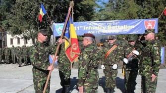 Rechinii Albi au un nou comandant: lt. col. Ciprian Balica. FOTO MAPN/ Gheorghe Gabara