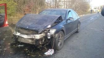 Două mașini s-au ciocnit pe DN 39 la ieșirea din localitatea Lazu