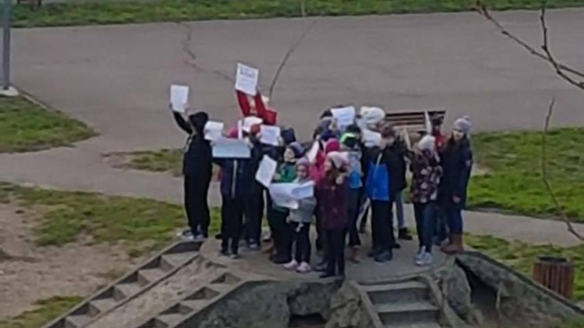 Protest copii demolare parc