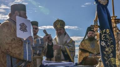 IPS Teodosie a sfințit apele de Bobotează. FOTO Cătălin Schipor