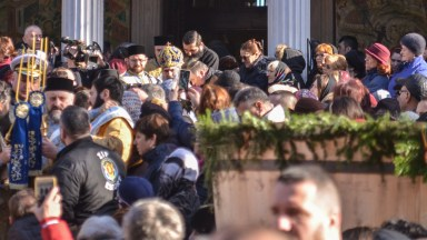 După slujba din Catedrală, IPS Teodosie a plecat spre faleza Cazinoului
