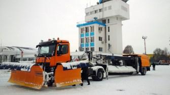 Aeroportul Internațional Mihail Kogălniceanu este deschis și se operează în condiții de iarnă. FOTO AIMK