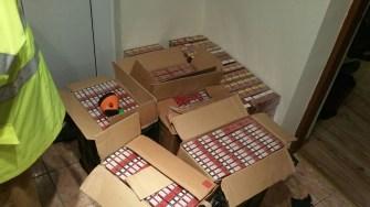 Aproape 22.000 pachete de țigări de contrabandă au fost confiscate de la contrabandiști. FOTO Poliția de Frontieră