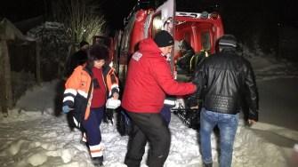 Autoritățile au intervenit cu șenilatele pentru preluarea cazurilor grave