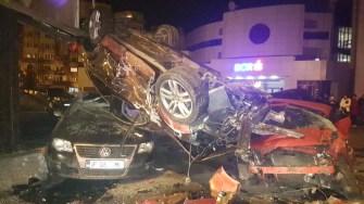 Mașinile distruse arată forța impactului și viteza Q7-lui. FOTO ISU Dobrogea
