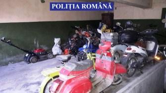 În urma perchezițiilor, anchetatorii au găsit mai multe bunuri furate. FOTO IPJ Constanța