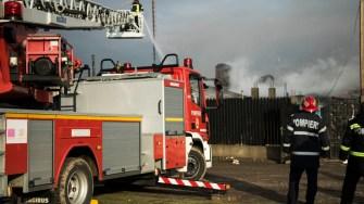 Pompierii au luptat mai bine de 7 ore pentru stingerea incendiului