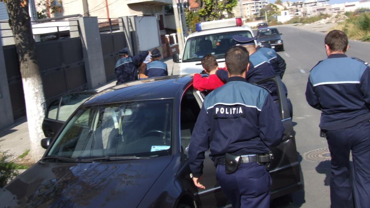 politisti suspecti arest