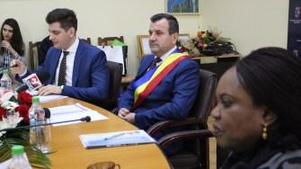 Primarul Valentin Vrabie și City Managerul Bogdan Moșescu. FOTO Adrian Boioglu