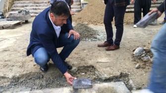 Viceprimarul Șerif Cîrjali verifică stadiul lucrărilor de reabilitare. FOTO CTnews.ro