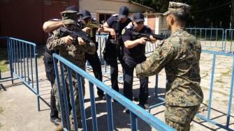 Jandarmii s-au antrenat împreună cu pușcașii marini americani. FOTO IJJ Constanța