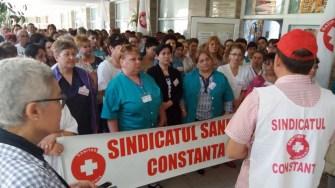 Sindicaliștii SANITAS din tot județul Constanța au protestat. FOTO SANITAS