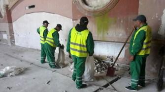 Angajații Polaris M Holding au făcut curățenie în Cazinoul Constanța și în vecinătatea acestuia. FOTO Polaris M Holding