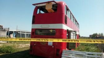 Turistul decedat a fost găsit într-un autobuz abandonat în Vama Veche. FOTO CtNews.ro
