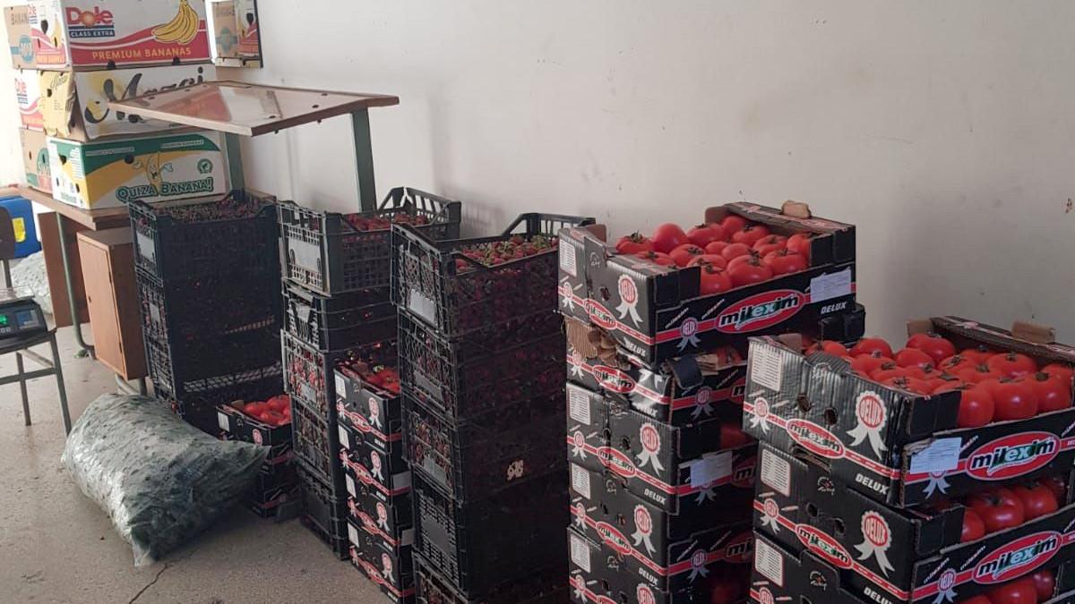 Polițiștii i-au verificat pe comercianții de legume-fructe. FOTO IPJ Constanța