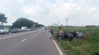 Autoturismul Audi a fost grav avariat în urma accidentului. FOTO CTnews.ro