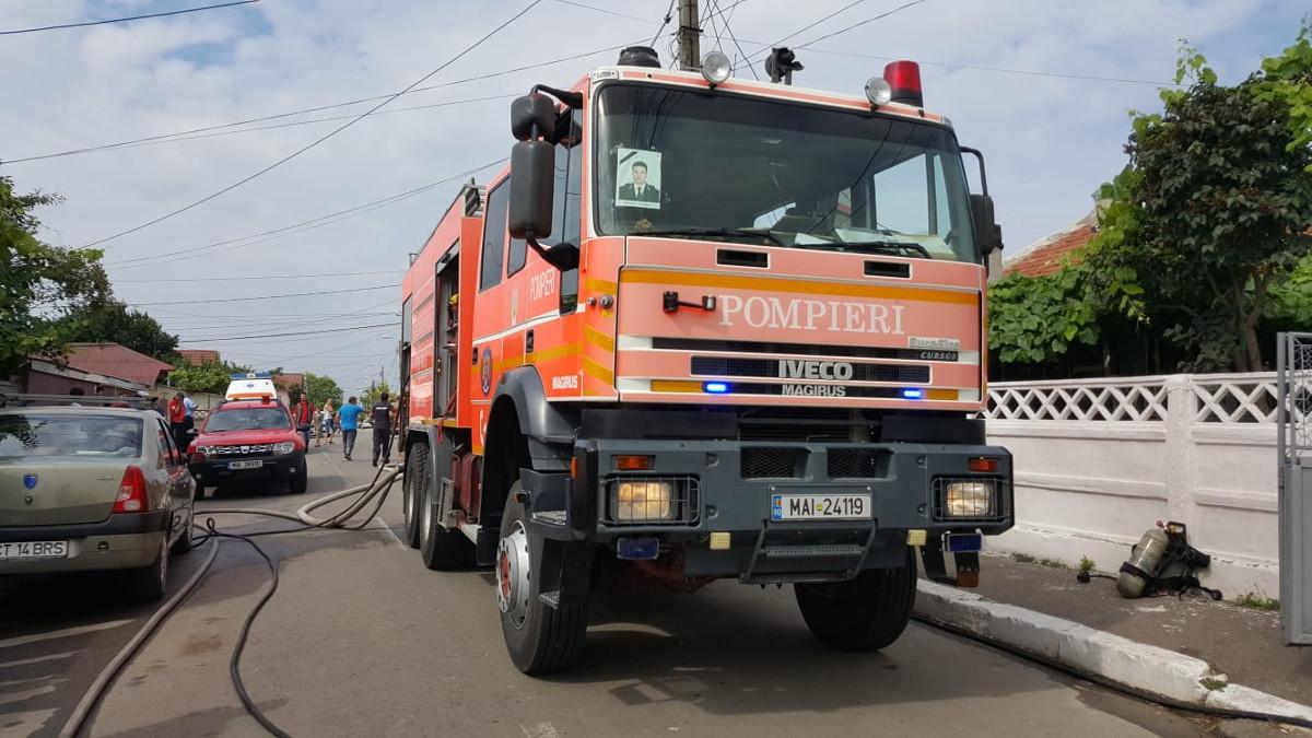 pompieri incendiu (1)