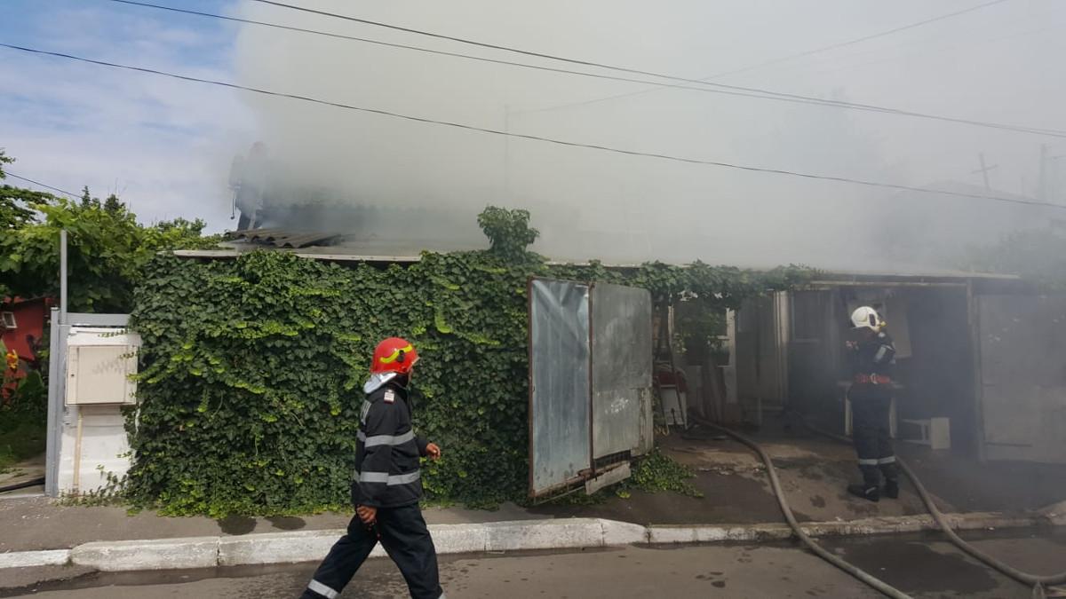 pompieri incendiu (2)