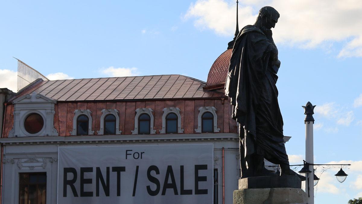 Statuia poetului Ovidius Publius Naso de la Constanța. FOTO Adrian Boioglu