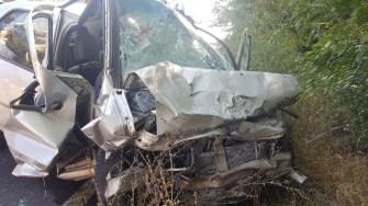 În urma impcatului, ambele autoturisme au fost grav avariate. FOTO IPJ Constanța