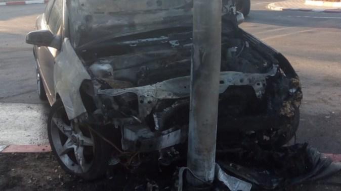 În urma accidentului, autoturismul a luat foc. FOTO IPJ Constanța