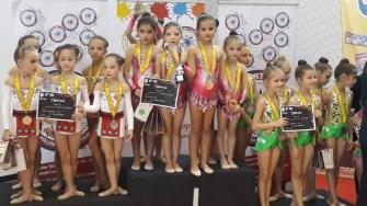 Micuțele gimnaste din Cumpăna au urcat iar pe podium. FOTO Primăria Cumpăna