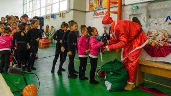 Sportivii din Cumpăna au primit cadouri din partea lui Moș Crăciun în cadrul Galei Sportului. FOTO Primăria Cumpăna