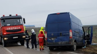 Cele două mașini s-au lovit frontal. FOTO IPJ Constanța