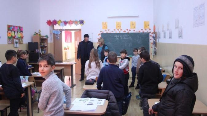 Școală din comuna Ostrov. FOTO CTnews.ro