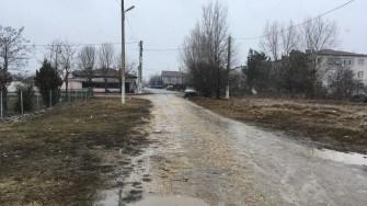 Strada din localitatea Poarta Albă. FOTO CTnews.ro