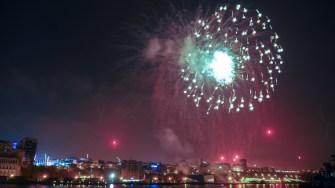 Focul de artificii de revelion. FOTO Cătălin SCHIPOR